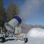 Snow making machine